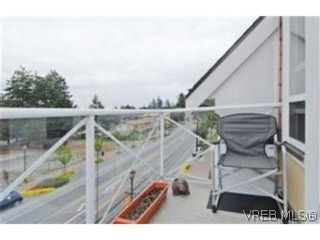 Photo 9: 404 663 Goldstream Ave in VICTORIA: La Fairway Condo for sale (Langford)  : MLS®# 499068