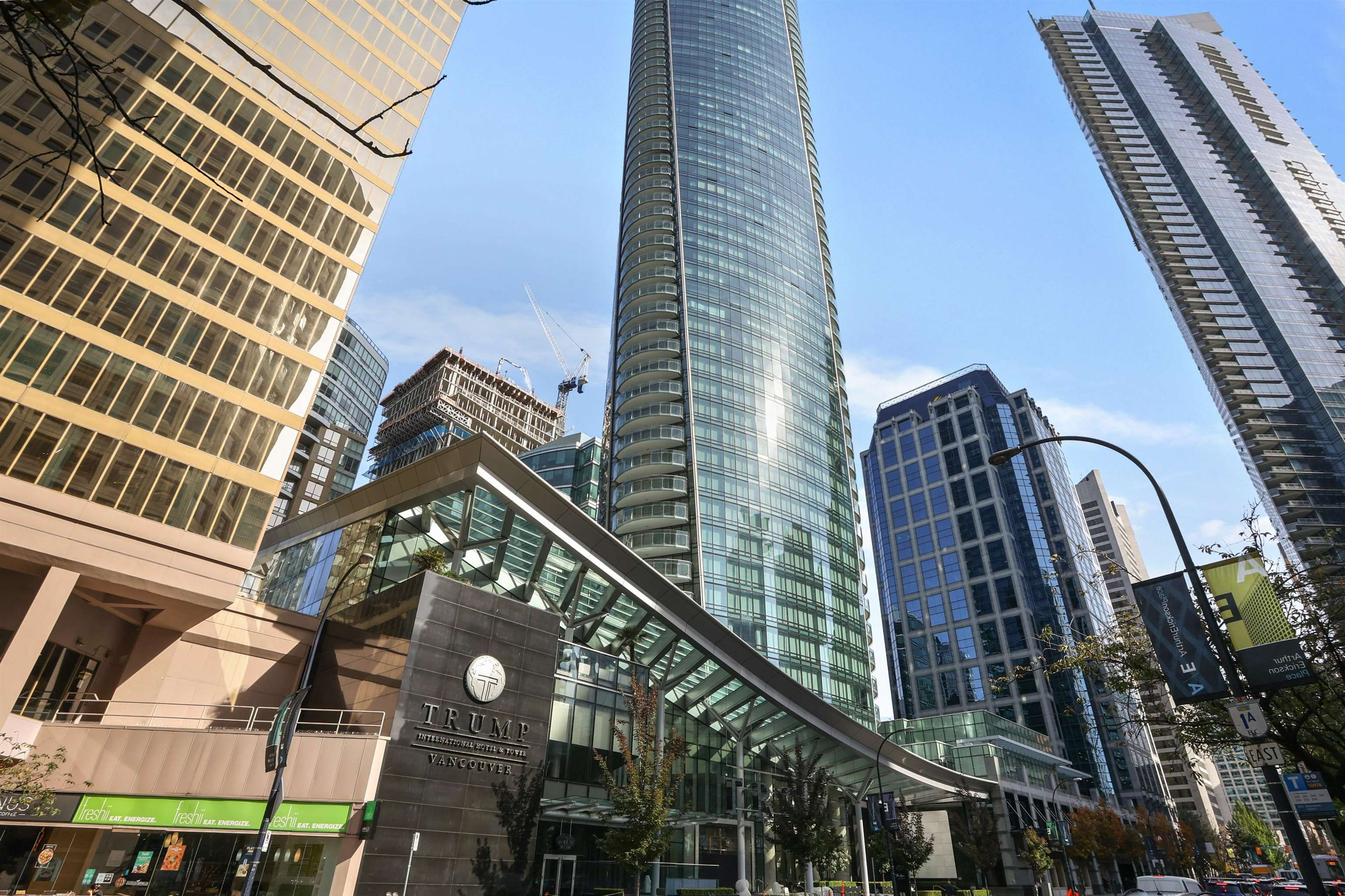 Main Photo: 3005 1151 W GEORGIA Street in Vancouver: Coal Harbour Condo for sale (Vancouver West)  : MLS®# R2624126