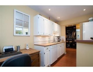 Photo 5: 319-206 East 15th Street in North Vancouver: Central Lonsdale Condo for sale : MLS®# V847510