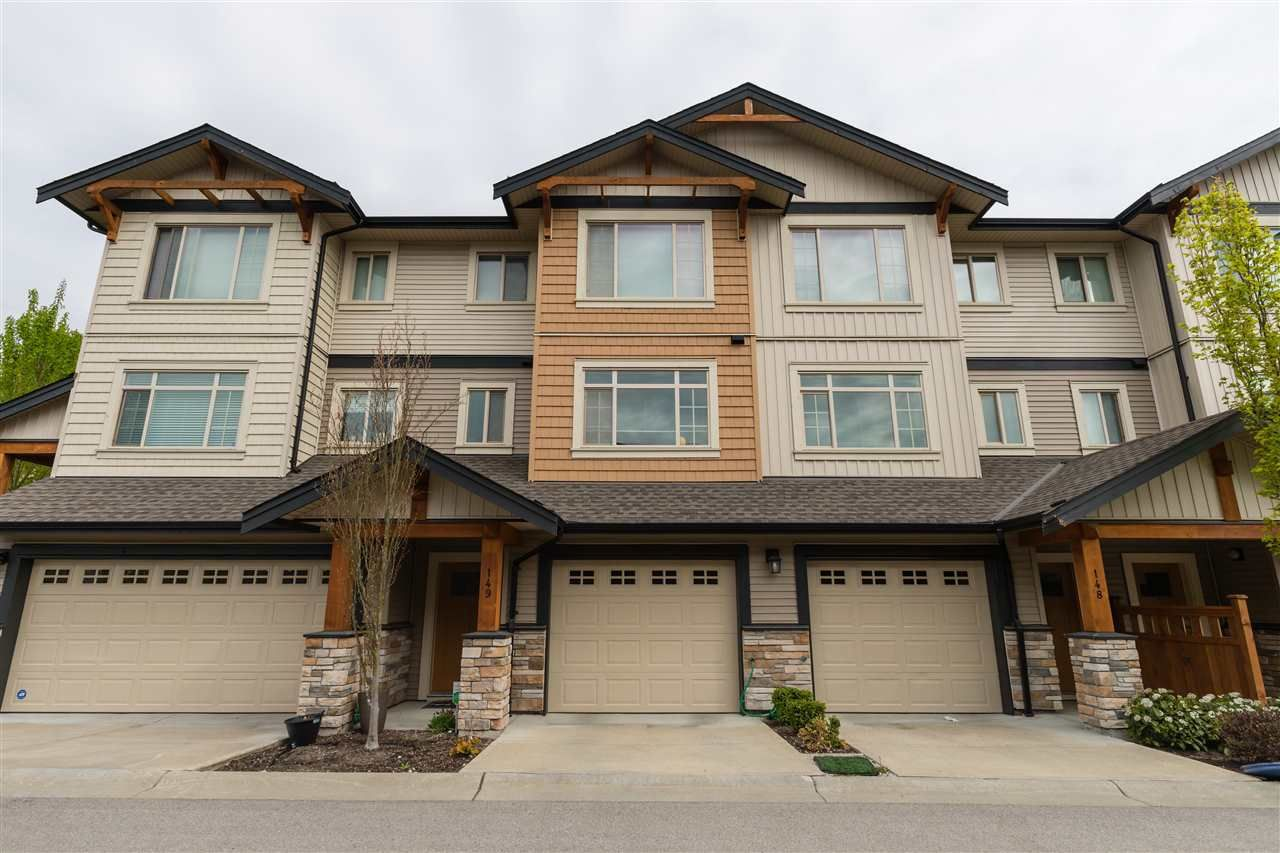 """Main Photo: 149 11305 240 Street in Maple Ridge: Cottonwood MR Townhouse for sale in """"MAPLE HEIGHTS"""" : MLS®# R2576269"""