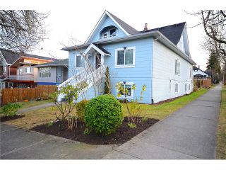 """Photo 2: 1306 E 18TH Avenue in Vancouver: Knight House for sale in """"Cedar Cottage 5-Plex"""" (Vancouver East)  : MLS®# V1095673"""