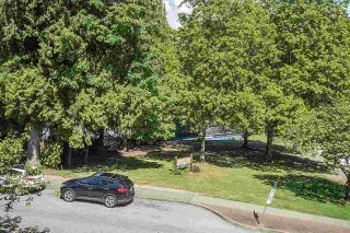 Photo 18: 2105 BANBURY Road in North Vancouver: Deep Cove Townhouse for sale : MLS®# R2589349