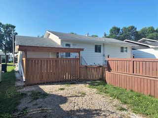 Photo 25: 132 Bossons Avenue in Dauphin: Northeast Residential for sale (R30 - Dauphin and Area)  : MLS®# 202121283