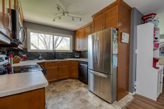 Photo 11: 710 9th Street NW in Portage la Prairie: House for sale : MLS®# 202112105
