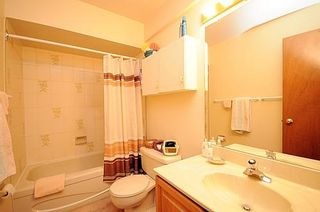 Photo 11: 2310 Wash Avenue in Ottawa: Carlingwood Residential Attached for sale (6002)  : MLS®# 771820