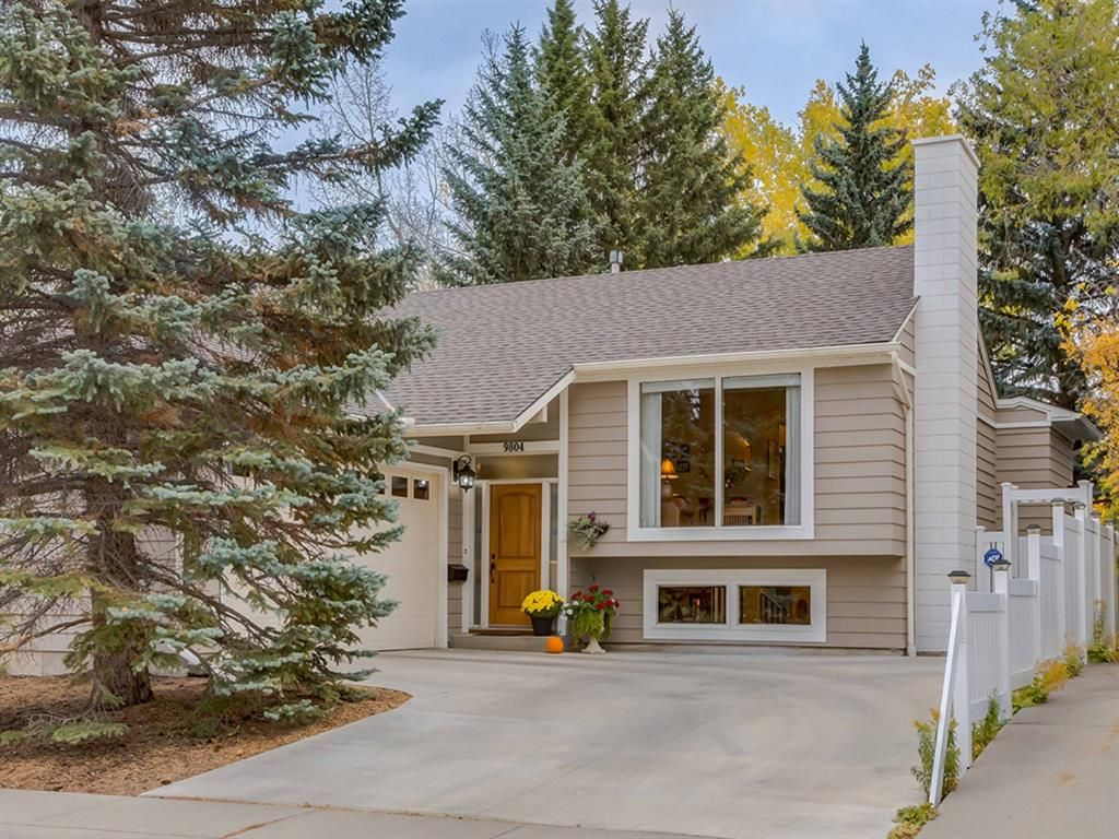 Main Photo: 9804 Palishall Road SW in Calgary: Palliser Detached for sale : MLS®# A1040399