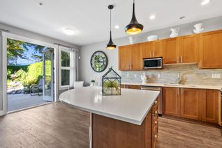 """Photo 13: 17 19452 FRASER Way in Pitt Meadows: South Meadows Townhouse for sale in """"Shoreline"""" : MLS®# R2615256"""