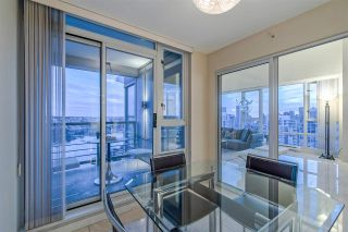 """Photo 9: 3905 1033 MARINASIDE Crescent in Vancouver: Yaletown Condo for sale in """"QUAYWEST"""" (Vancouver West)  : MLS®# R2366439"""