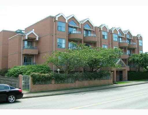 FEATURED LISTING: 201 - 988 w 16th Avenue Vancouver