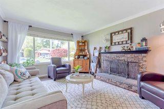 """Photo 3: 34232 CEDAR Avenue in Abbotsford: Central Abbotsford House for sale in """"Central Abbotsford"""" : MLS®# R2572753"""