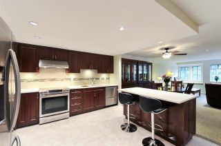 Photo 2: 211 6735 STATION HILL COURT in Burnaby: South Slope Condo for sale (Burnaby South)  : MLS®# R2254939