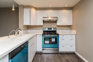 """Photo 2: 403 121 TENTH Street in New Westminster: Uptown NW Condo for sale in """"VISTA ROYALE"""" : MLS®# R2128368"""
