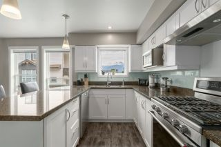 """Photo 5: 5 1261 MAIN Street in Squamish: Downtown SQ Townhouse for sale in """"SKYE"""" : MLS®# R2473764"""