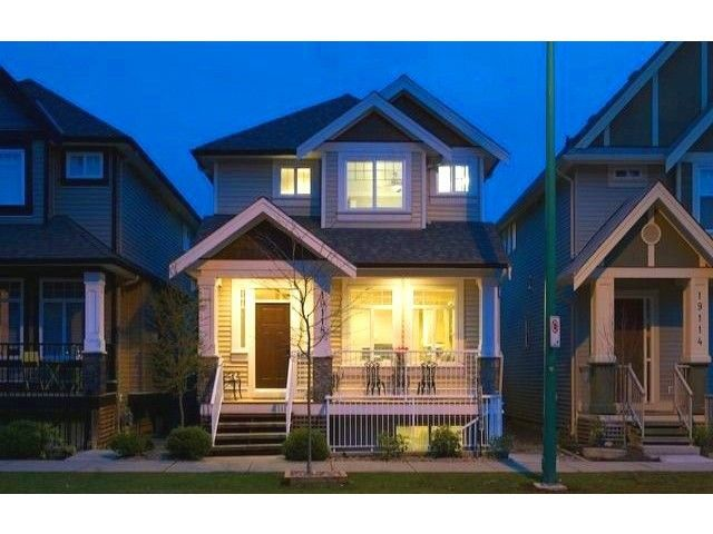 """Main Photo: 19118 68TH Avenue in Surrey: Clayton House for sale in """"CLOVERDALE / CLAYTON"""" (Cloverdale)  : MLS®# F1439391"""