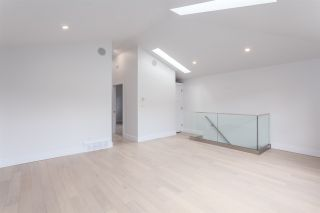 Photo 4: 2026 CHARLES Street in Vancouver: Grandview VE House for sale (Vancouver East)  : MLS®# R2103158
