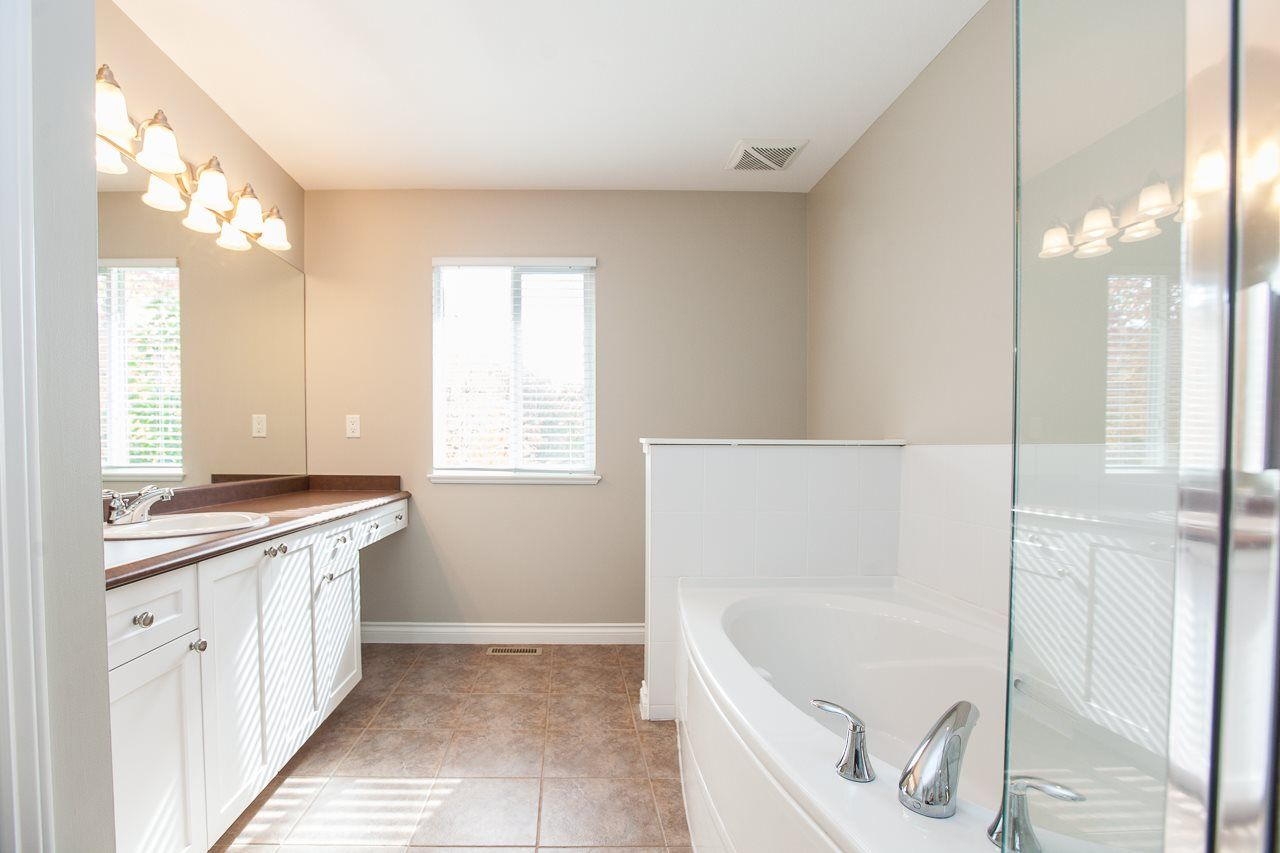 """Photo 15: Photos: 54 5999 ANDREWS Road in Richmond: Steveston South Townhouse for sale in """"RIVERWIND"""" : MLS®# R2115283"""