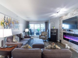 """Photo 2: 211 2665 W BROADWAY in Vancouver: Kitsilano Condo for sale in """"MAGUIRE BUILDING"""" (Vancouver West)  : MLS®# R2550864"""
