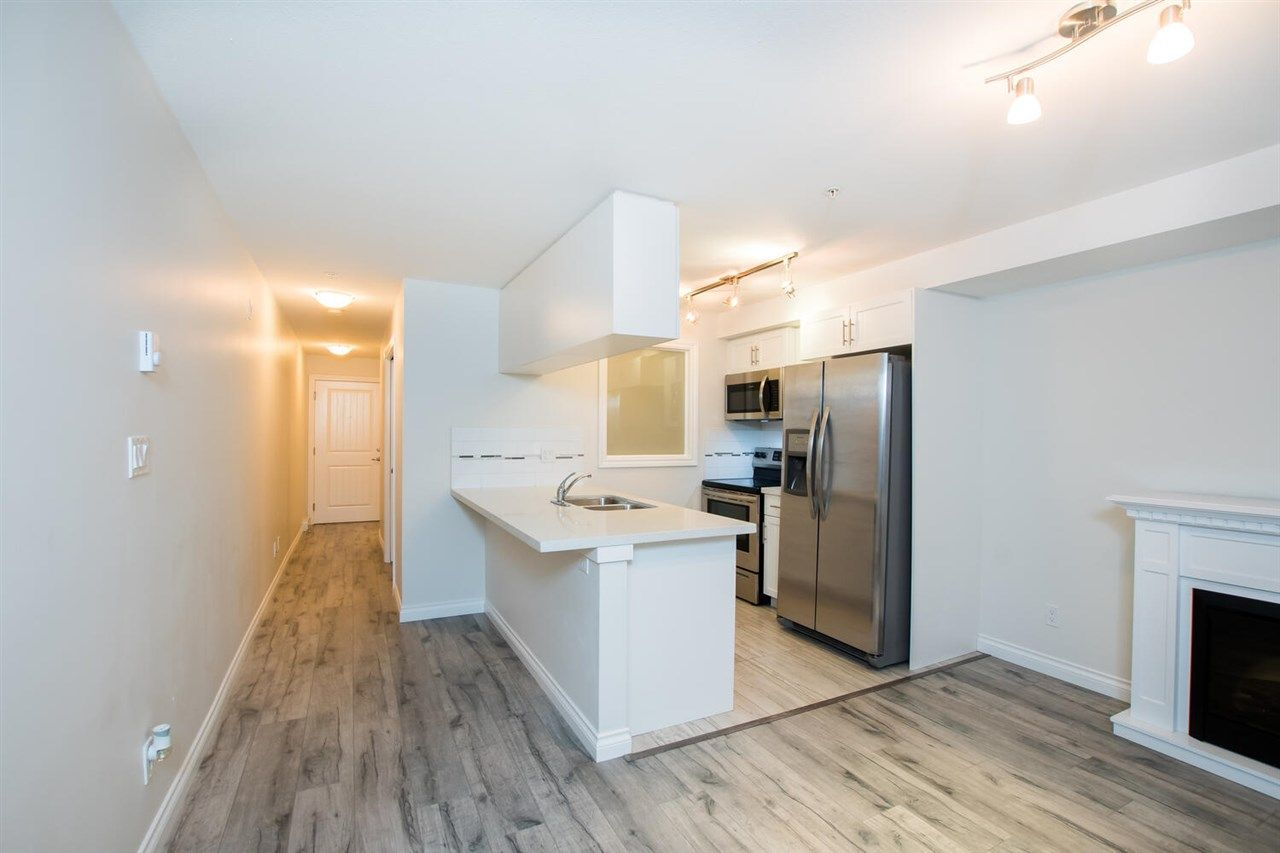 """Photo 9: Photos: 109 5650 201A Street in Langley: Langley City Condo for sale in """"PADDINGTON STATION"""" : MLS®# R2549015"""