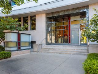 """Photo 4: 415 2851 HEATHER Street in Vancouver: Fairview VW Condo for sale in """"Tapastry"""" (Vancouver West)  : MLS®# R2623362"""