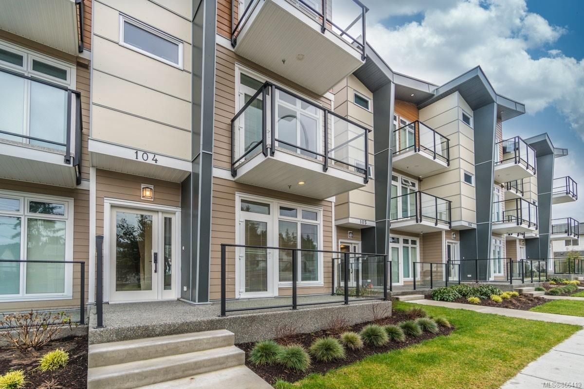 Main Photo: 104 308 Hillcrest Ave in : Na University District Multi Family for sale (Nanaimo)  : MLS®# 866419