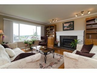 """Photo 3: 984 RANCH PARK Way in Coquitlam: Ranch Park House for sale in """"RANCH PARK"""" : MLS®# V1067792"""