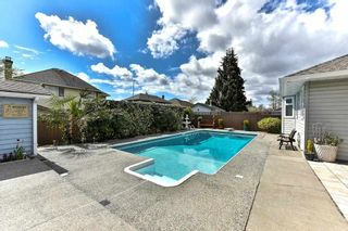 "Photo 17: 18672 62A Avenue in Surrey: Cloverdale BC House for sale in ""Eagle Crest"" (Cloverdale)  : MLS®# R2156755"