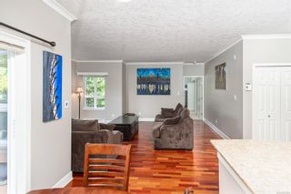 Photo 5: 201 1156 Colville Rd in : Es Gorge Vale Condo for sale (Esquimalt)  : MLS®# 874904