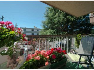 """Photo 1: # 202 15369 THRIFT AV: White Rock Condo for sale in """"Anthea Manor"""" (South Surrey White Rock)  : MLS®# F1317964"""