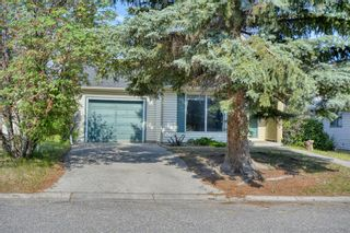 Photo 2: 240 Scenic Way NW in Calgary: Scenic Acres Detached for sale : MLS®# A1125995