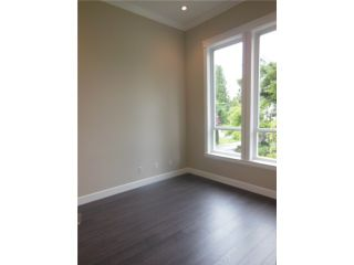 Photo 8: 20060 GRADE Crescent in Langley: Langley City House for sale : MLS®# F1415646