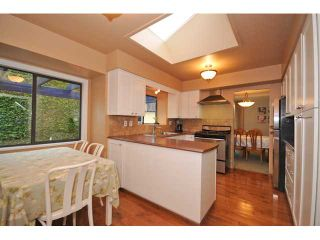 """Photo 13: 10351 HOGARTH Place in Richmond: Woodwards House for sale in """"WOODWARDS"""" : MLS®# V881151"""