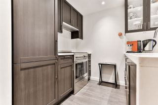 """Photo 3: 1904 5665 BOUNDARY Road in Vancouver: Collingwood VE Condo for sale in """"Wall Centre Central Park"""" (Vancouver East)  : MLS®# R2522154"""