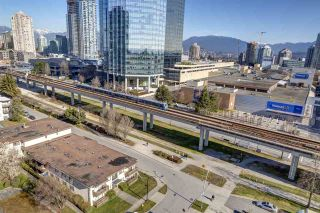 "Photo 17: 1707 6658 DOW Avenue in Burnaby: Metrotown Condo for sale in ""Moda by Polygon"" (Burnaby South)  : MLS®# R2463781"