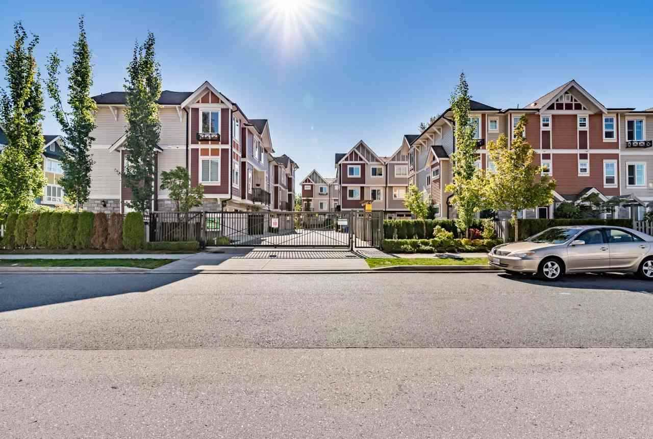 Main Photo: 14 14338 103 Avenue in Surrey: Whalley Townhouse for sale (North Surrey)  : MLS®# R2554728