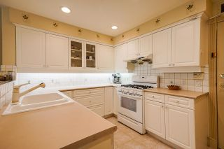 """Photo 17: 4 3405 PLATEAU Boulevard in Coquitlam: Westwood Plateau Townhouse for sale in """"Pinnacle Ridge"""" : MLS®# R2603190"""