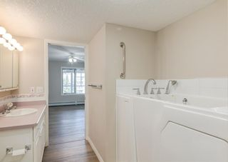 Photo 13: 326 7229 Sierra Morena Boulevard SW in Calgary: Signal Hill Apartment for sale : MLS®# A1147916