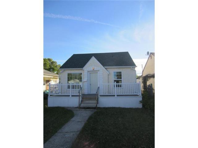 Main Photo: 1832 Elgin Avenue West in WINNIPEG: Brooklands / Weston Residential for sale (West Winnipeg)  : MLS®# 1219796