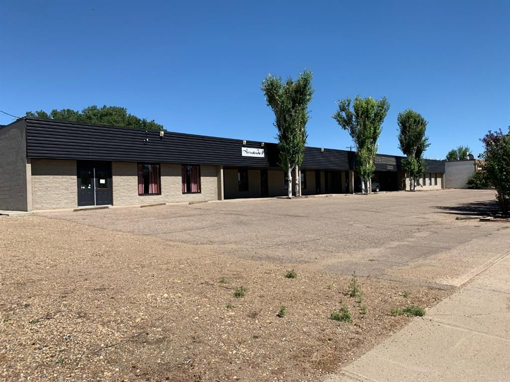 Main Photo: 308 2 Avenue: Bassano Retail for sale : MLS®# A1026210