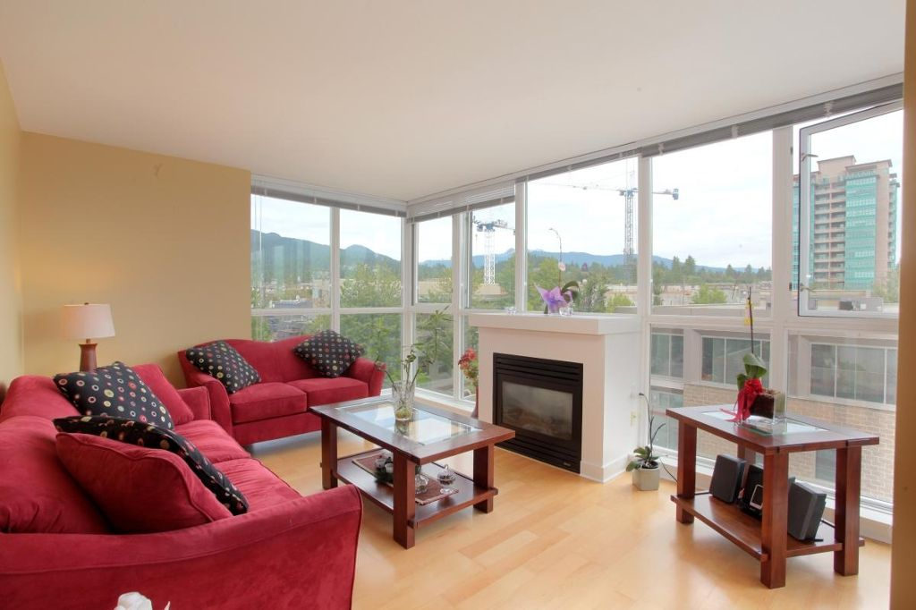 """Photo 2: Photos: 405 121 W 16TH Street in North Vancouver: Central Lonsdale Condo for sale in """"THE SILVA"""" : MLS®# V965894"""