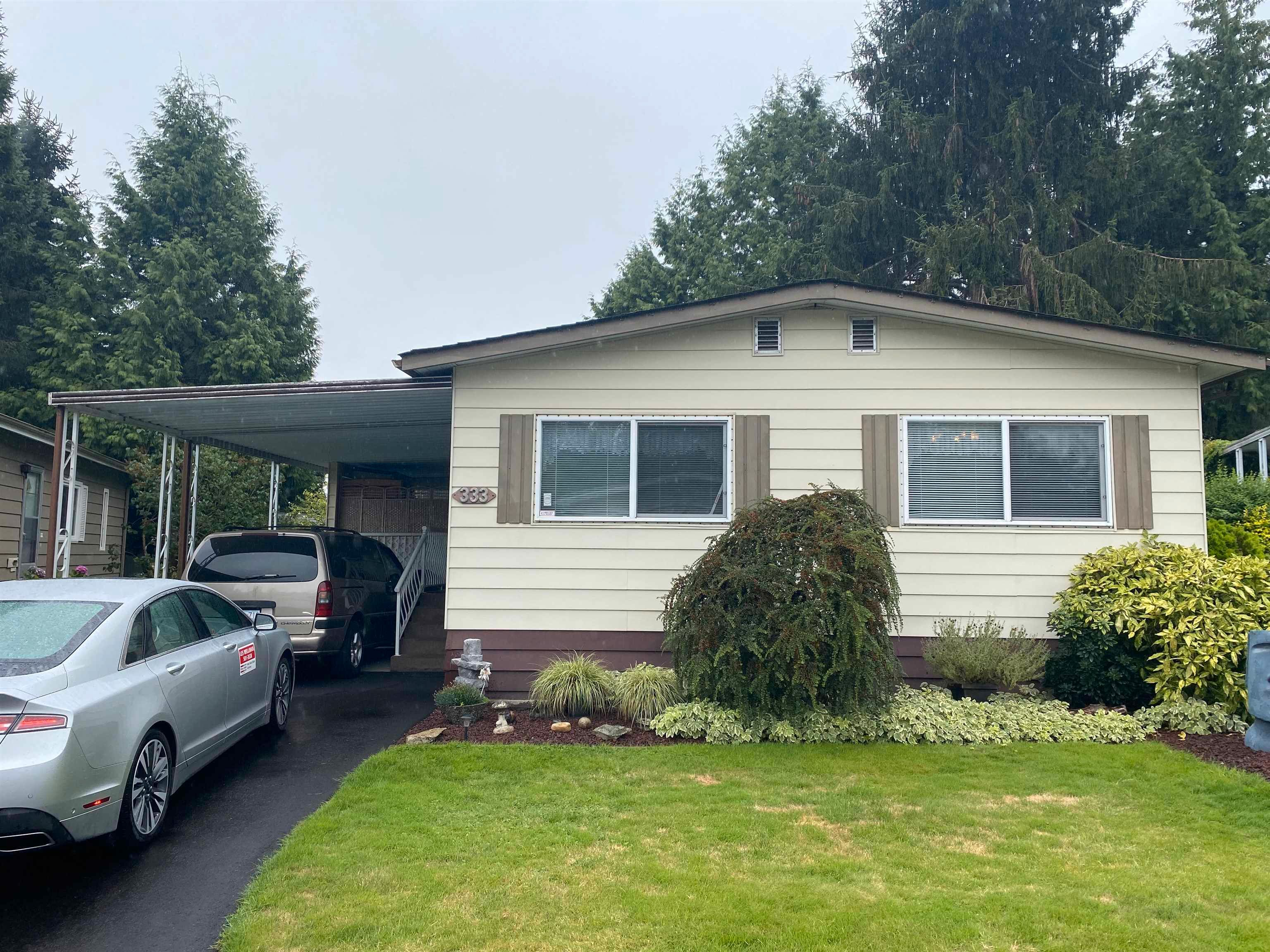 Main Photo: 333 1840 160 Street in Surrey: King George Corridor Manufactured Home for sale (South Surrey White Rock)  : MLS®# R2612670