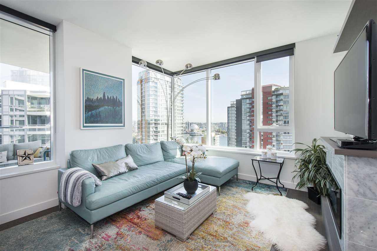 """Photo 9: Photos: 1908 68 SMITHE Street in Vancouver: Downtown VW Condo for sale in """"1 PACIFIC"""" (Vancouver West)  : MLS®# R2216431"""