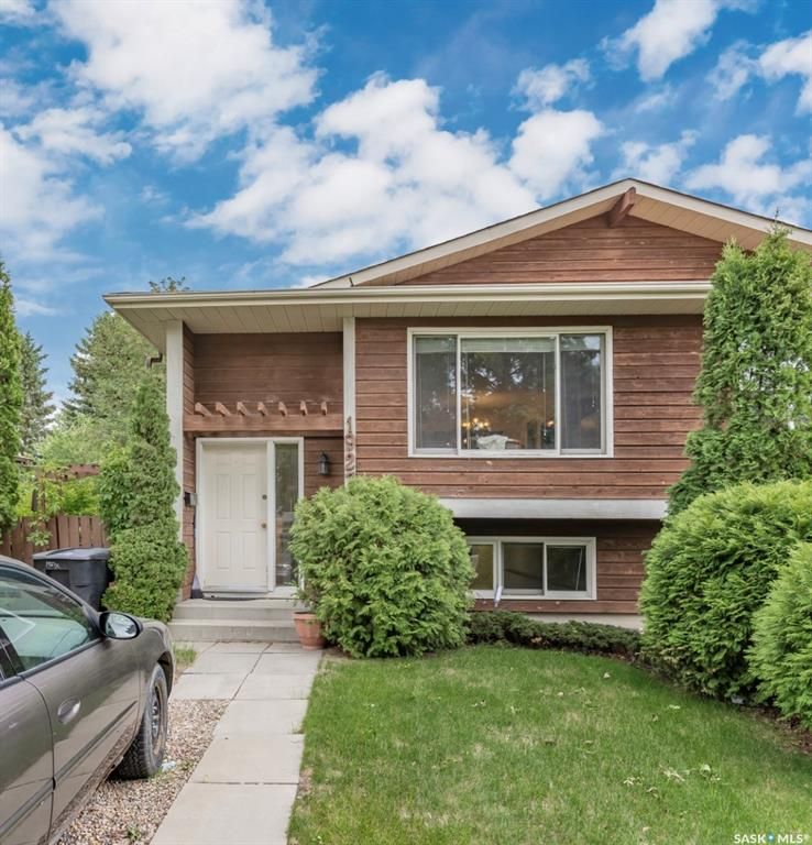 Main Photo: 1927 McKercher Drive in Saskatoon: Lakeview SA Residential for sale : MLS®# SK860434