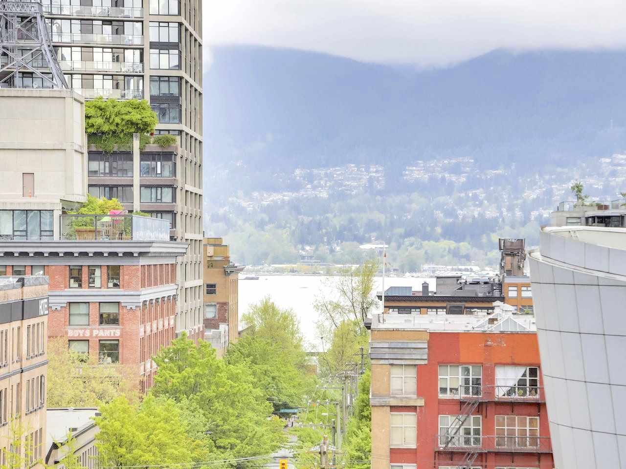 "Main Photo: 810 555 ABBOTT Street in Vancouver: Downtown VW Condo for sale in ""PARIS PLACE"" (Vancouver West)  : MLS®# R2265422"