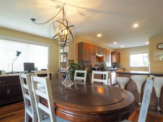 "Photo 3: 38623 CHERRY Drive in Squamish: Valleycliffe House for sale in ""Ravens Plateau"" : MLS®# R2480344"