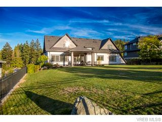 Photo 3: 2038 Troon Crt in VICTORIA: La Bear Mountain House for sale (Langford)  : MLS®# 742556