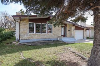 Photo 2: 3 Sardelle Crescent in Winnipeg: Maples Residential for sale (4H)  : MLS®# 202124317