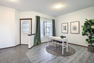 Photo 3: 189 CRESTMOUNT Drive SW in Calgary: Crestmont Detached for sale : MLS®# A1118741