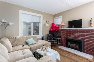 Photo 3: 613 ROBSON Avenue in New Westminster: Uptown NW Triplex for sale : MLS®# R2534313
