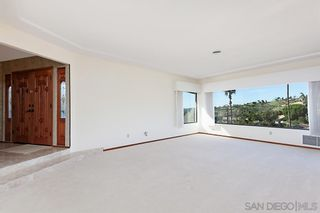 Photo 5: MOUNT HELIX House for sale : 5 bedrooms : 9833 Edgar Pl in La Mesa