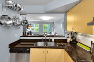"""Photo 8: 45 123 SEVENTH Street in New Westminster: Uptown NW Townhouse for sale in """"ROYAL CITY TERRACE"""" : MLS®# R2289295"""